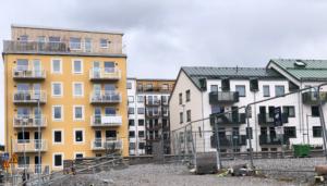 Läs mer om artikeln Motion – Inflationsjustera och sänk reavinstskatten på bostäder